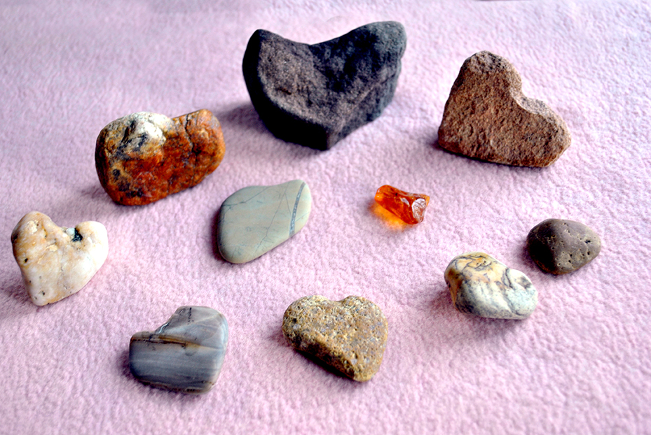 A variety of heart-shaped stones